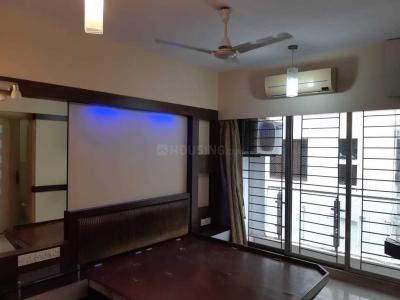 Gallery Cover Image of 1100 Sq.ft 2 BHK Apartment for rent in Sabita Apartments, Khar West for 100000