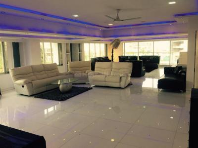 Gallery Cover Image of 1500 Sq.ft 5 BHK Independent Floor for rent in Bandra West for 350000