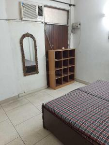 Gallery Cover Image of 1000 Sq.ft 2 BHK Independent Floor for rent in Sant Nagar for 30000