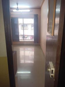 Gallery Cover Image of 660 Sq.ft 1 BHK Apartment for rent in Goregaon West for 25000