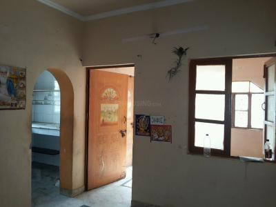 Gallery Cover Image of 700 Sq.ft 1.5 BHK Apartment for buy in DDA LIG Apartment Pitampura, Pitampura for 5000000