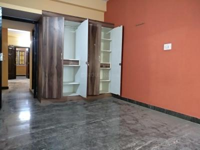 Gallery Cover Image of 800 Sq.ft 2 BHK Independent Floor for rent in 5th Phase for 13000