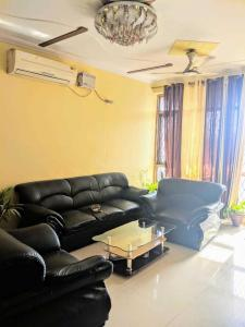 Gallery Cover Image of 1540 Sq.ft 3 BHK Apartment for rent in Sector 4 Dwarka for 35000