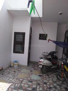 Gallery Cover Image of 500 Sq.ft 1 BHK Independent House for rent in Sector 8 for 6500