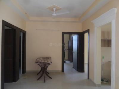 Gallery Cover Image of 1045 Sq.ft 2.5 BHK Apartment for rent in Mahagunpuram for 7000