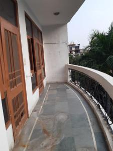 Gallery Cover Image of 2500 Sq.ft 2 BHK Independent House for rent in Sector 37 for 17000