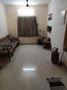 Gallery Cover Image of 1050 Sq.ft 2 BHK Apartment for rent in Sholinganallur for 20000