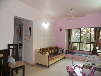 Gallery Cover Image of 610 Sq.ft 2 BHK Apartment for rent in Kandivali East for 23000