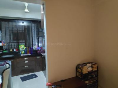 Gallery Cover Image of 1050 Sq.ft 2 BHK Apartment for rent in Kavita, Khar West for 65000