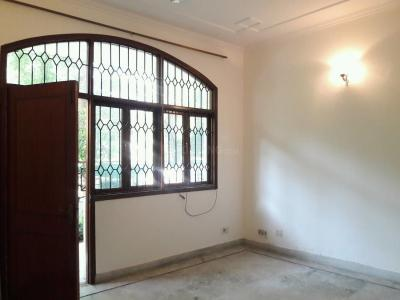 Gallery Cover Image of 2700 Sq.ft 3 BHK Independent Floor for buy in Sector 52 for 11000000