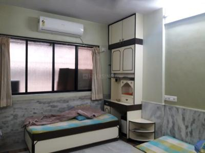 Gallery Cover Image of 650 Sq.ft 1 BHK Apartment for buy in Goregaon West for 11000000