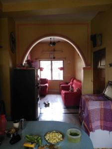 Gallery Cover Image of 4000 Sq.ft 4 BHK Independent House for buy in Thakurpukur for 6200000