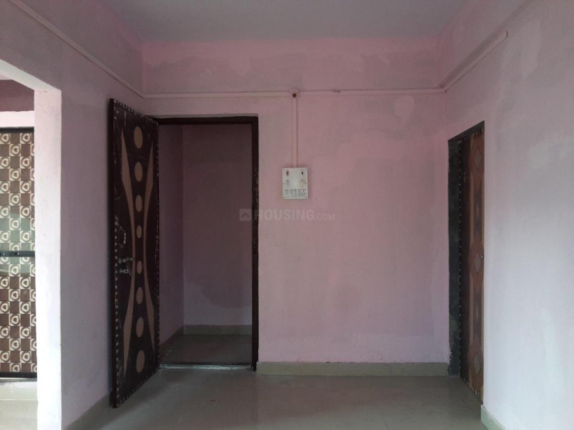 Living Room Image of 650 Sq.ft 1 BHK Apartment for rent in Kopar Khairane for 13000