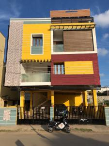 Gallery Cover Image of 1800 Sq.ft 3 BHK Independent Floor for rent in Madipakkam for 30000