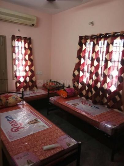 रामपुरम में केएमएस मेंस पीजी में बेडरूम की तस्वीर