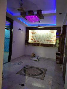 Gallery Cover Image of 900 Sq.ft 3 BHK Independent Floor for buy in Uttam Nagar for 5800000