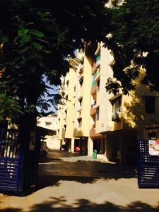 Gallery Cover Image of 1325 Sq.ft 2 BHK Apartment for rent in Satellite for 19000