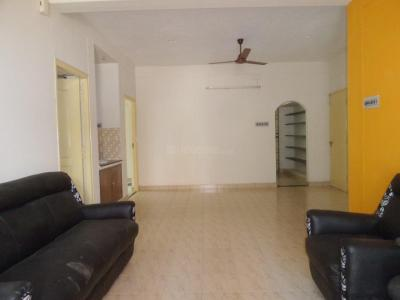 Gallery Cover Image of 1100 Sq.ft 2 BHK Independent Floor for rent in Velachery for 15000