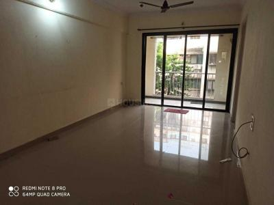 Gallery Cover Image of 1040 Sq.ft 2 BHK Apartment for buy in Malad West for 16000000