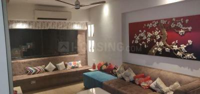 Gallery Cover Image of 600 Sq.ft 2 BHK Apartment for buy in Santacruz West for 25000000