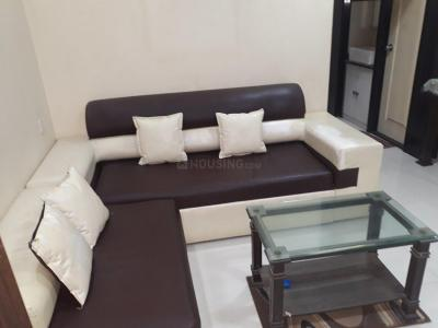 Gallery Cover Image of 580 Sq.ft 1 BHK Apartment for rent in Kandivali East for 26000