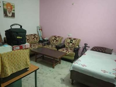 Gallery Cover Image of 1200 Sq.ft 3 BHK Independent House for rent in Razapur Khurd for 5000