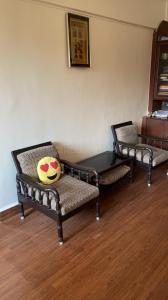 Gallery Cover Image of 600 Sq.ft 1 BHK Apartment for buy in Anupam CHS, Andheri West for 15000000