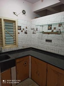 Gallery Cover Image of 800 Sq.ft 2 BHK Independent Floor for rent in Vijayanagar for 16500