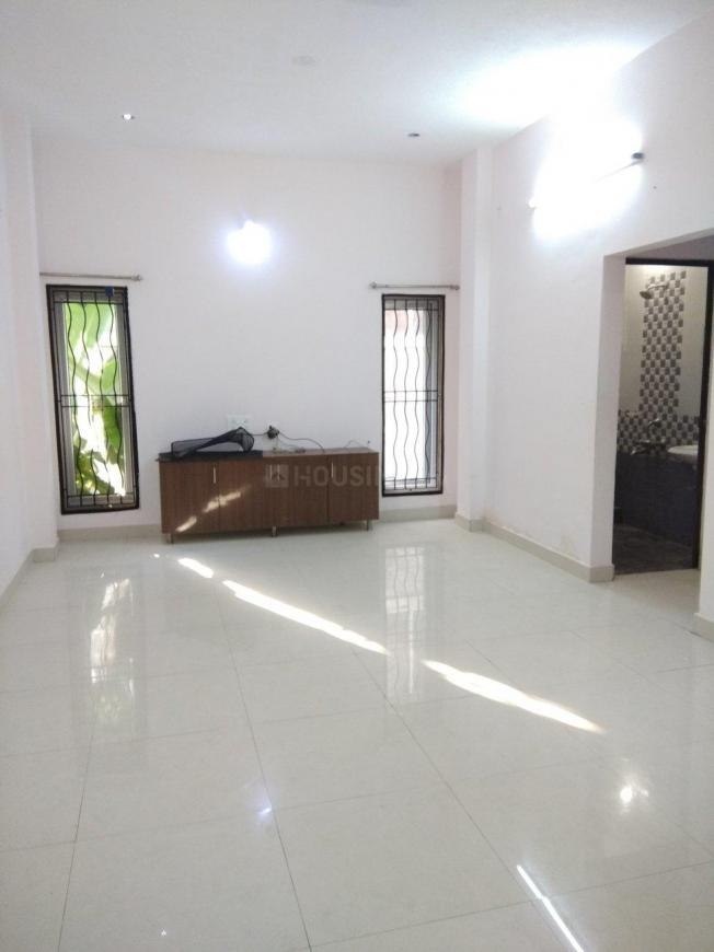 Living Room Image of 4231 Sq.ft 5 BHK Independent House for rent in Neelankarai for 150000