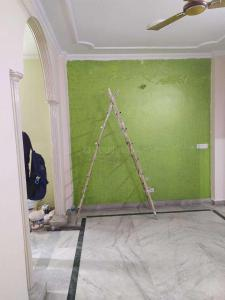 Gallery Cover Image of 640 Sq.ft 2 BHK Independent Floor for rent in Govindpuri for 12500