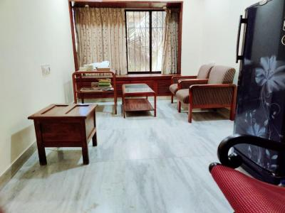 Gallery Cover Image of 800 Sq.ft 1 BHK Apartment for rent in Bandra West for 55000