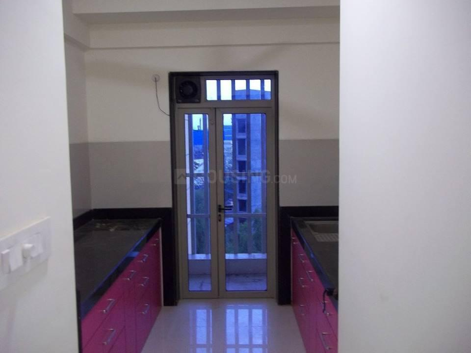 Kitchen Image of 1000 Sq.ft 2 BHK Apartment for rent in Thane West for 35000