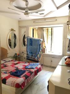 Gallery Cover Image of 1600 Sq.ft 3 BHK Apartment for rent in Borivali West for 50000