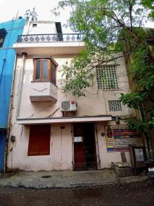 Gallery Cover Image of 1800 Sq.ft 3 BHK Independent House for buy in Nungambakkam for 14000000