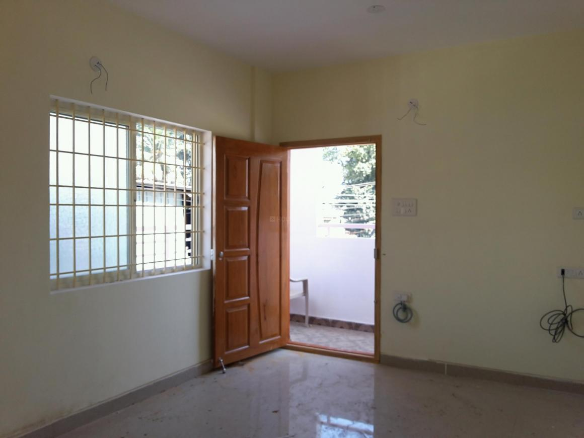 Living Room Image of 600 Sq.ft 1 BHK Apartment for rent in Hennur Main Road for 15000