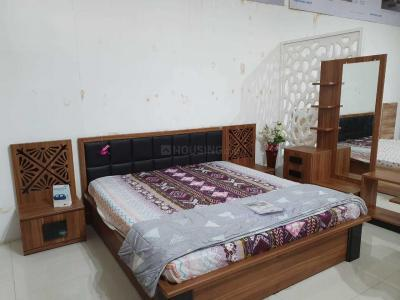 Gallery Cover Image of 1200 Sq.ft 2 BHK Apartment for rent in Thaltej for 26000