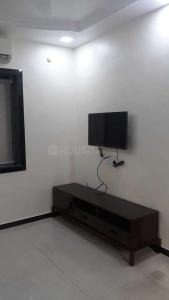 Gallery Cover Image of 335 Sq.ft 1 BHK Apartment for rent in Malad East for 26000