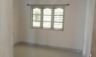 Gallery Cover Image of 2400 Sq.ft 3 BHK Apartment for rent in J. P. Nagar for 75000