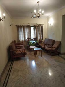 Gallery Cover Image of 1650 Sq.ft 3 BHK Apartment for rent in Indira Nagar for 80000