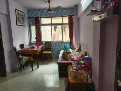 Gallery Cover Image of 450 Sq.ft 1 BHK Apartment for buy in Shree Ram Bhawan, Malad West for 6500000
