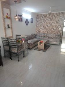 Gallery Cover Image of 700 Sq.ft 1 BHK Apartment for buy in Jagatpura for 1800000