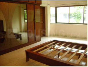 Gallery Cover Image of 1022 Sq.ft 2 BHK Apartment for buy in Juhu for 37500000