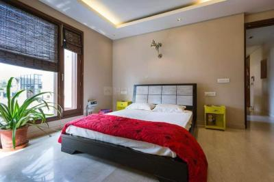 Gallery Cover Image of 950 Sq.ft 2 BHK Apartment for rent in Saket for 26000
