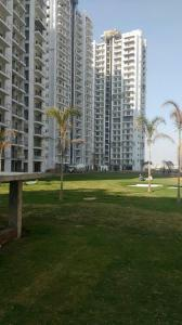 Gallery Cover Image of 1480 Sq.ft 2 BHK Apartment for buy in Microtek Greenburg, Sector 86 for 10000000