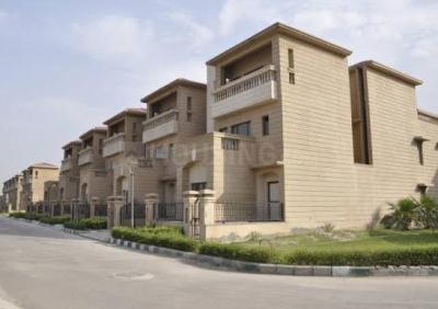 Gallery Cover Image of 5000 Sq.ft 5 BHK Villa for buy in Jaypee Kallisto Townhomes, Sector 131 for 45000000
