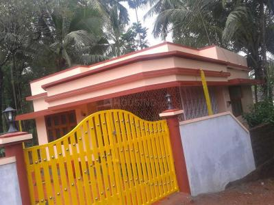 Gallery Cover Image of 900 Sq.ft 2 BHK Independent House for rent in Feroke for 8500