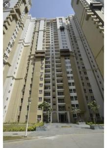 Gallery Cover Image of 1398 Sq.ft 3 BHK Apartment for buy in 3C Lotus Boulevard, Sector 100 for 7200000