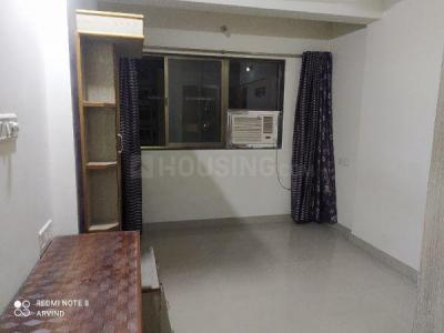 Gallery Cover Image of 600 Sq.ft 1 BHK Apartment for rent in Priyadarshini Society, Dadar West for 40000