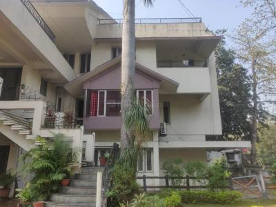 Gallery Cover Image of 8500 Sq.ft 10 BHK Independent House for rent in Ajni for 400000