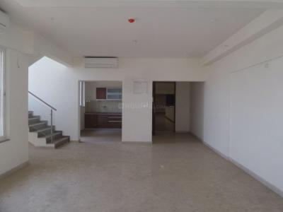Gallery Cover Image of 2409 Sq.ft 3 BHK Apartment for rent in Kharadi for 35000